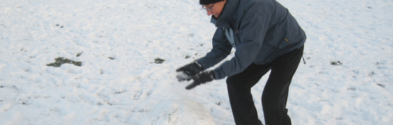 Rolling snowballs 750 x 450