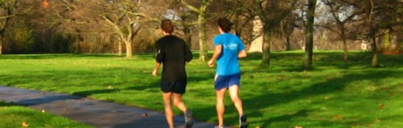 Running to lose weight - winter fitness in the park