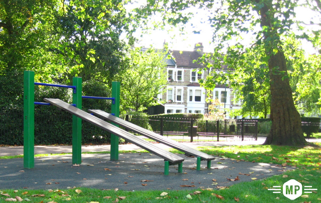 Outdoor fitness, decline benches in London park